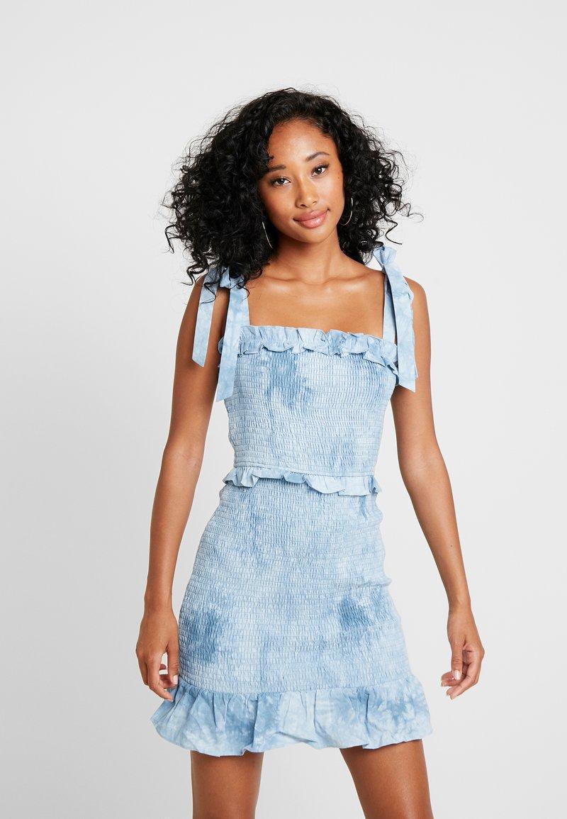 Honey Punch - TYE DYE ALL OVER SMOCK DRESS - Day dress - baby blue
