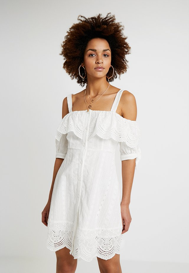 COLD SHOULDER EYELET DRESS - Skjortekjole - white