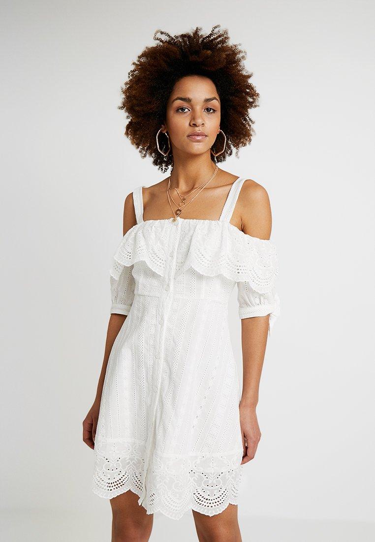 Honey Punch - COLD SHOULDER EYELET DRESS - Skjortklänning - white