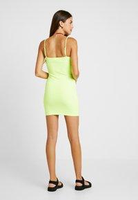 Honey Punch - THIN STRAP TUBE DRESS - Robe fourreau - neon green - 2