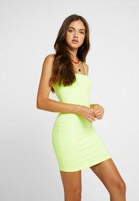 Honey Punch - THIN STRAP TUBE DRESS - Robe fourreau - neon green - 0