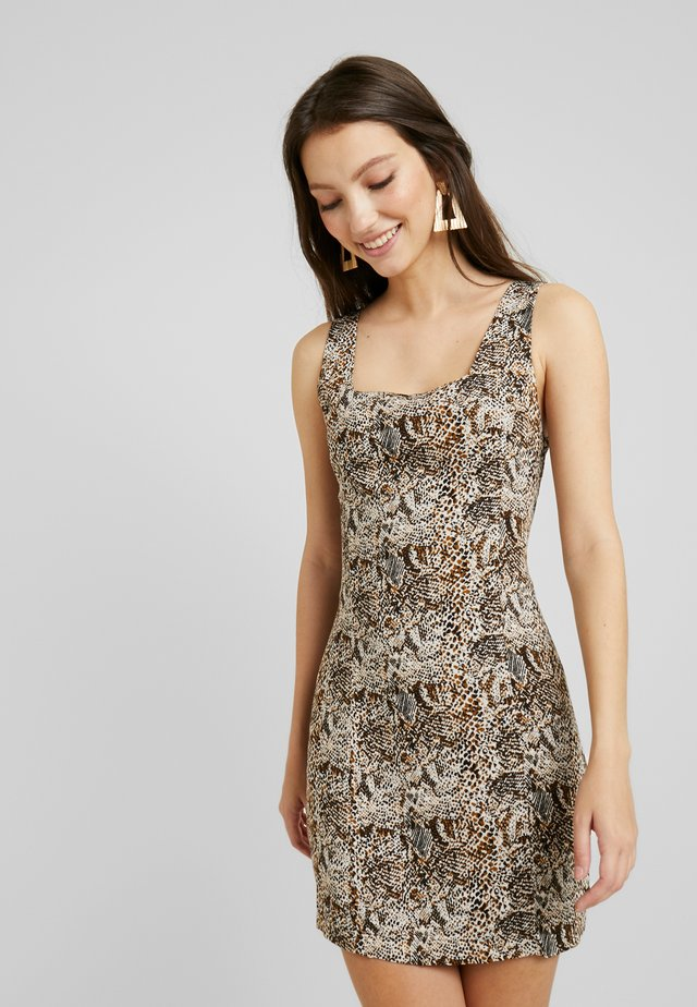 SQUARE NECK PRINTED SLEEVELESS DRESS - Robe fourreau - brown