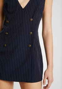 Honey Punch - SLEEVELESS STRIPED DRESS WITH SUITING DETAIL BUTTONS - Day dress - navy - 5