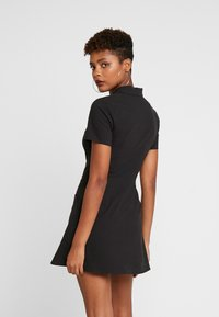 Honey Punch - PRINTED SKATER DRESS - Shirt dress - black - 0