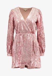Honey Punch - LONG SLEEVE SEQUIN MINI DRESS - Sukienka koktajlowa - pink - 5