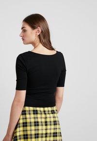 Honey Punch - ELBOW SLEEVE  - T-shirt basique - black - 2