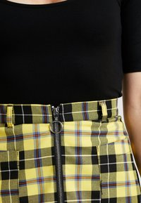 Honey Punch - ELBOW SLEEVE  - T-shirt basique - black - 5