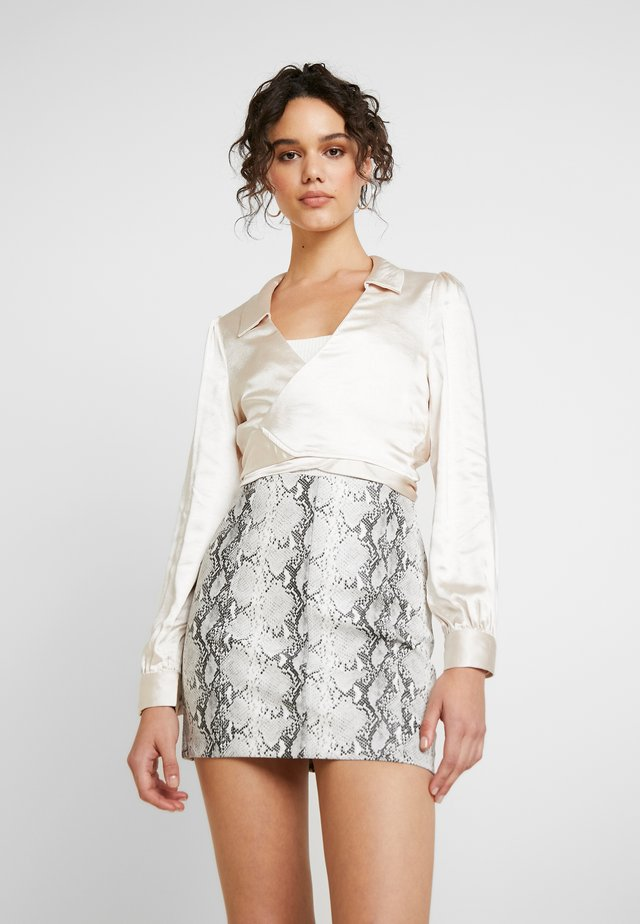 LONG SLEEVE TIE FRONT COLLARED - Bluse - champagne