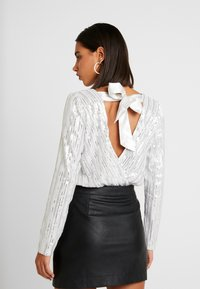 Honey Punch - LONG SLEEVE WRAP SUIT - Bluser - white - 2
