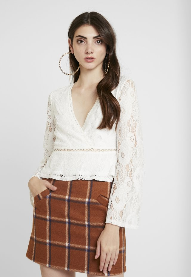 WRAP FRONT LONG SLEEVE - T-shirt à manches longues - white