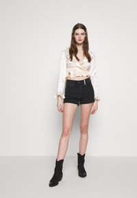 Honey Punch - RUFFLE - Blouse - cream - 1