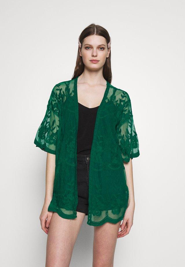 SHORT KIMONO - Kurtka wiosenna - emerald