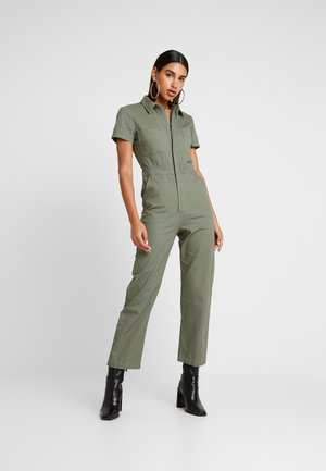 SHORT SELEVE BOILERSUIT WITH ZIPPER FRONT - Jumpsuit - olive