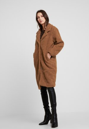 COLLARED COAT - Cappotto invernale - camel