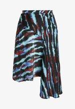 ASYMMETRIC TIE DIE SKIRT - Áčková sukně - blue/red/multi