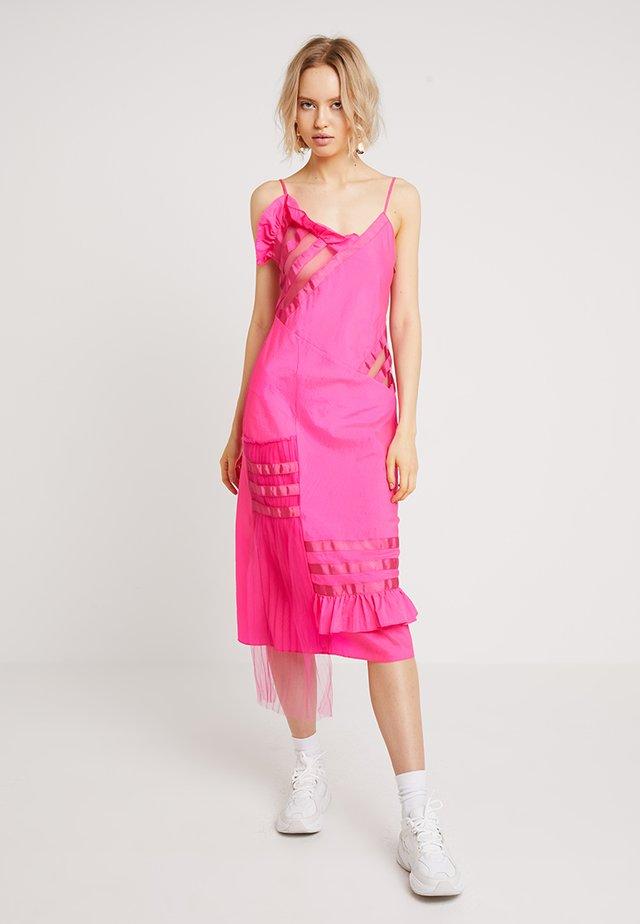 DRESS - Cocktail dress / Party dress - fuchsia