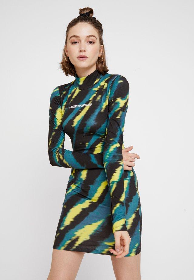 TIE DYE BODY CON MINI DRESS - Shift dress - green/yellow/black
