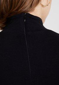 House of Holland - GLOBAL CITIZEN BODY CON MINI DRESS - Pouzdrové šaty - black - 6