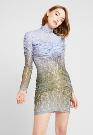 MUTED MINI DRESS - Pouzdrové šaty - blue/khaki