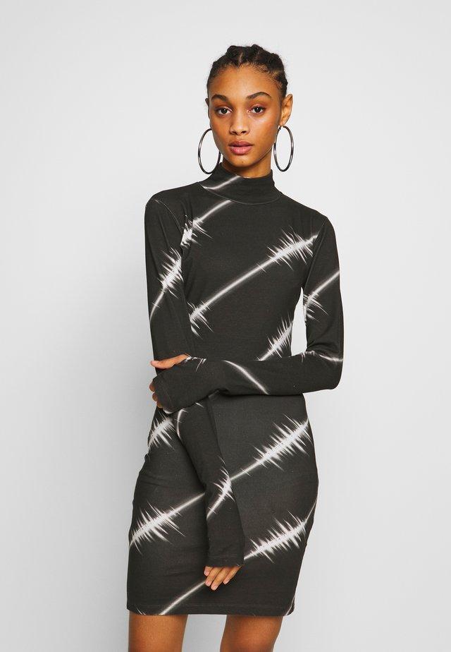 SOUNDWAVE MINI DRESS - Jerseyjurk - black