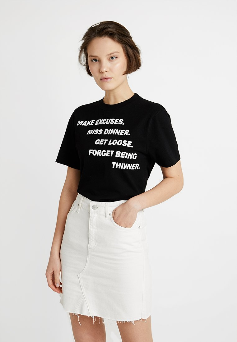 House of Holland - MAX WALLIS EXCUSES SHORT SLEEVE  - Print T-shirt - black