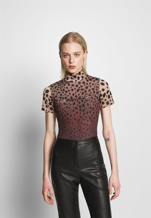 MUTED CHEETAH  - T-shirt con stampa - brown