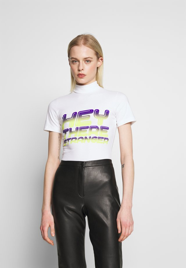 HEY THERE SHRUNKEN TEE - T-shirt imprimé - white