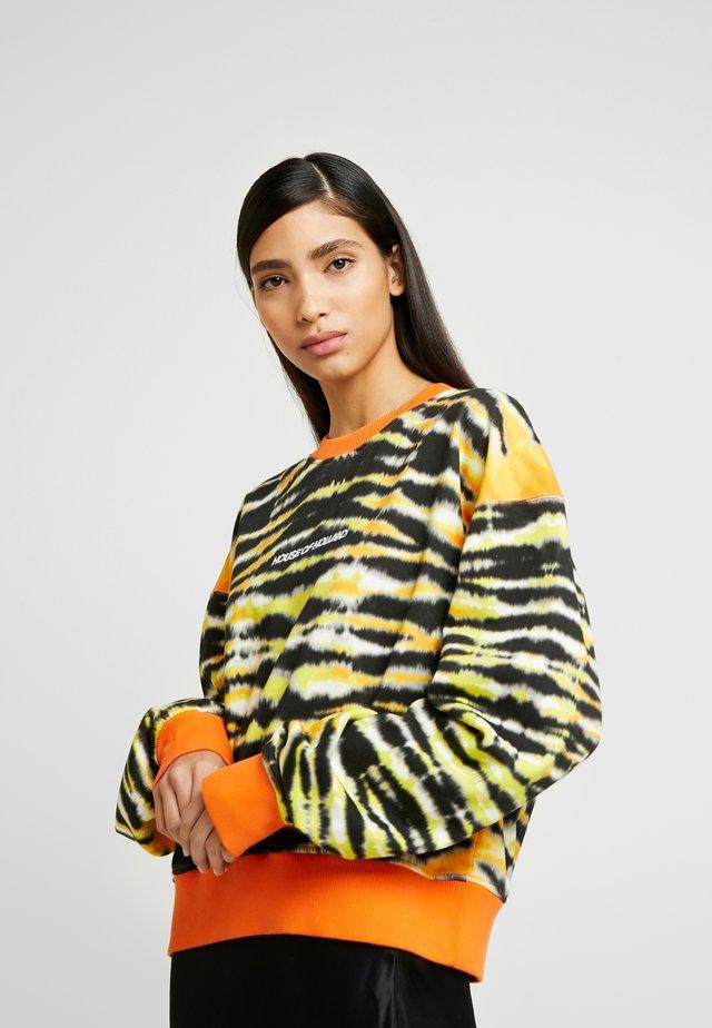 ANIMAL TIE DYE - Sweater - orange and black multi
