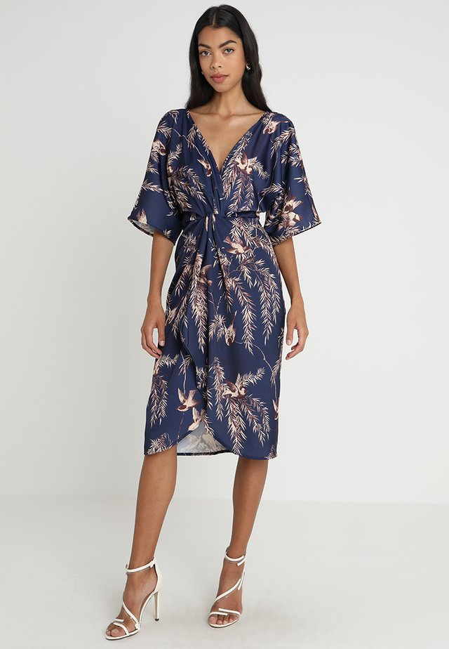 TIE KNOT FRONT WITH KIMONO SLEEVES - Cocktailjurk - navy