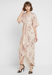 Hope & Ivy - TIE KNOT FRONT MAXI WITH KIMONO SLEEVES - Cocktailklänning - blush - 2