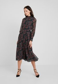 Hope & Ivy - MIDI DRESS WITH RUFFLE AND BUTTON DETAIL - Cocktailklänning - green - 0