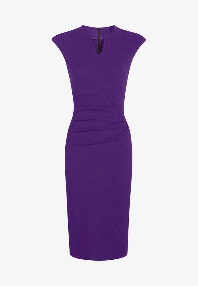 KENSINGTON - Etui-jurk - purple