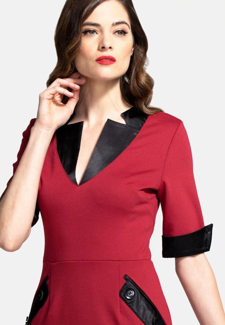 HotSquash Sukienka etui - red