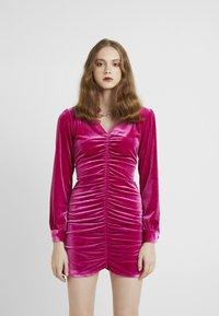 HOSBJERG - PHOEBE DRESS - Koktejlové šaty/ šaty na párty - pink - 0