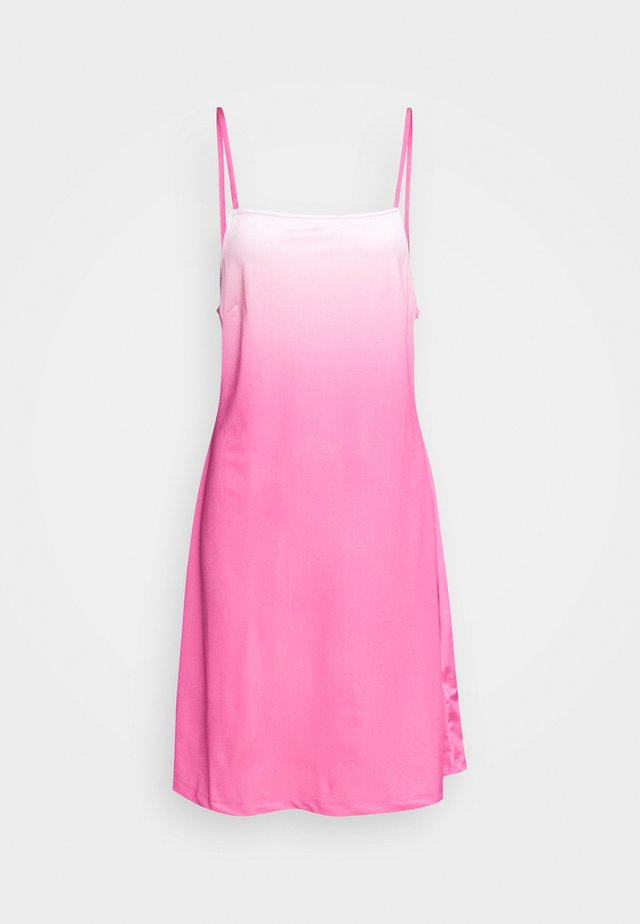 RILEY OLIVIA DRESS - Jerseykjoler - pink dip dye