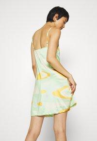 HOSBJERG - RILEY OLIVIA DRESS - Trikoomekko - green - 2