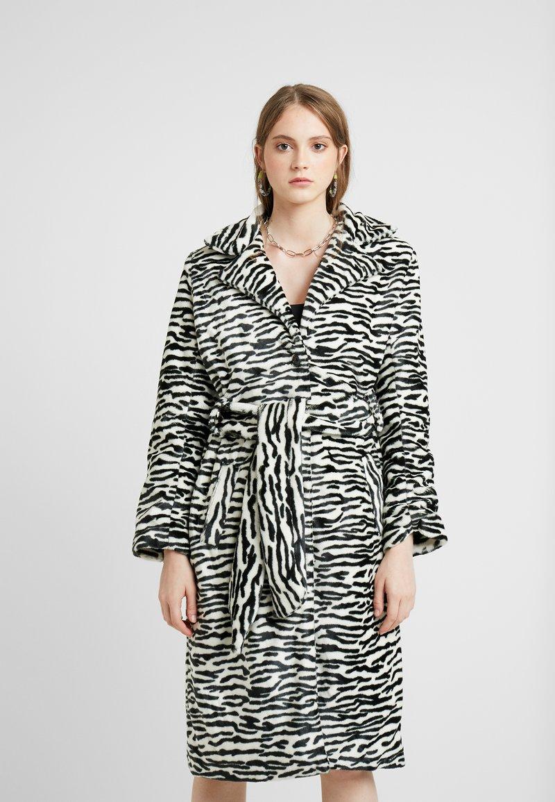 HOSBJERG - OLE COAT - Winter coat - black