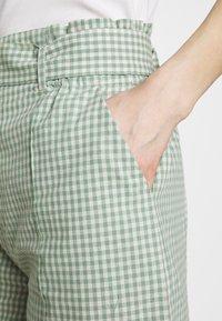 HOSBJERG - SARAH - Shorts - green - 4