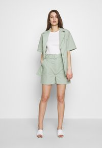 HOSBJERG - SARAH - Shorts - green - 1