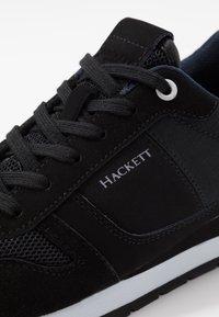 Hackett London - EYELET TRAINER - Tenisky - black - 5