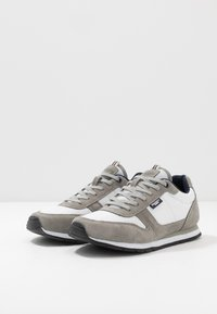 Hackett London - Sneakersy niskie - stone - 2
