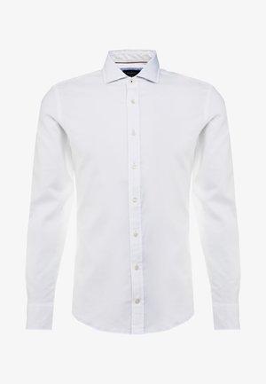 NATURAL STRETCH TRIM SLIM FIT - Košile - white