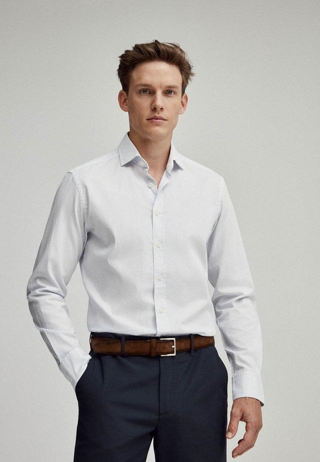 WEAVE  - Shirt - sky/white