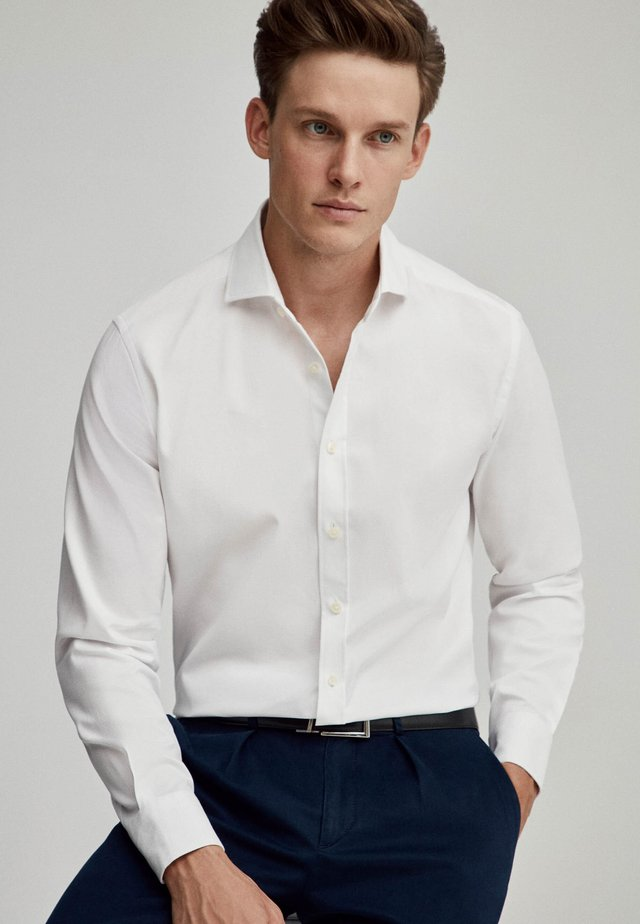 HONEYCOMB TEXTURE - Formal shirt - white