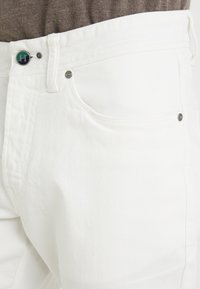 Hackett London - DYED JEANS - Džíny Straight Fit - off white - 5