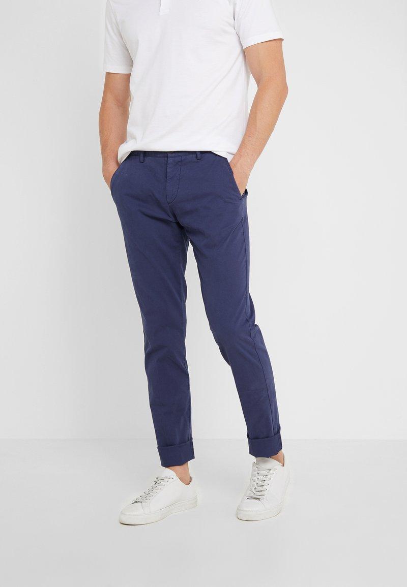 Hackett London - DYE TEXTURE - Pantalon classique - denim