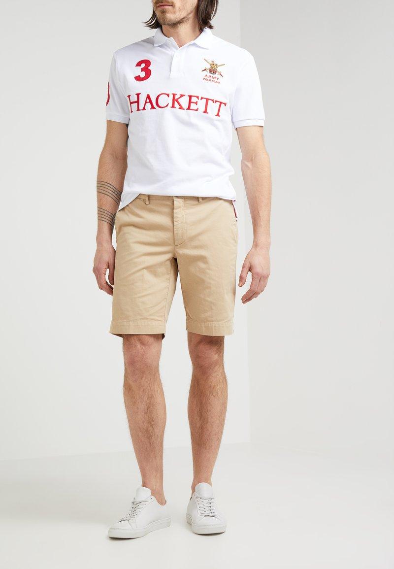 Hackett London - CORE SANDERSON - Shorts - safari