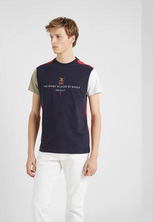 ARMY MULTI TEE - T-shirts print - navy/multi