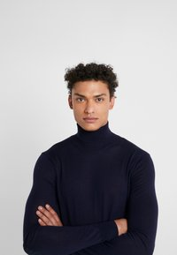 Hackett London - ROLL - Strikkegenser - midnight - 3