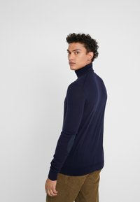 Hackett London - ROLL - Strikkegenser - midnight - 2